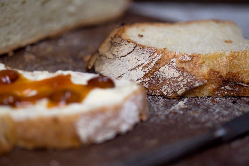 pâine fără frământare - cu drojdie proaspătă