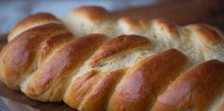 pâine cozonac împletită în 5