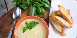 Supă de roșii, zucchini și porumb proaspăt și Supă rece de vară cu dovlecei, praz și lămâie
