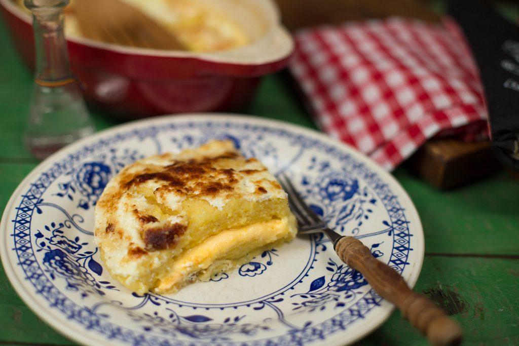 mămăligă cu brânză la cuptor