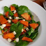 salată cu dovleac copt