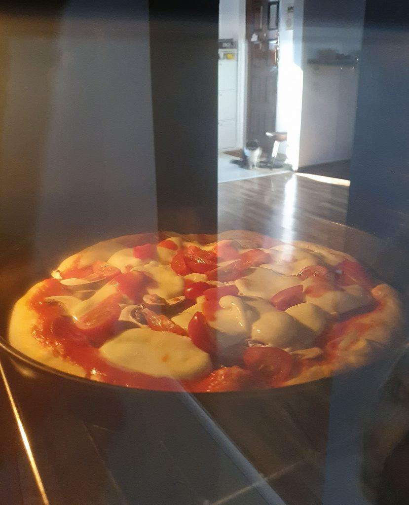 blat-de-pizza-cu-drojdie-scata