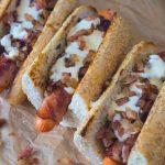 hotdog-crenvurști-bacon-sos-de-branza