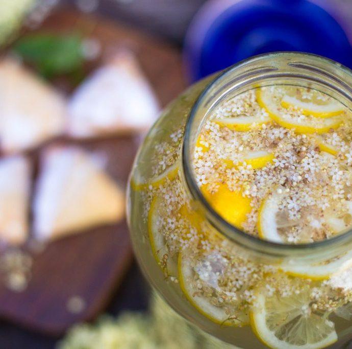 socată fermentată cu stafide. și plăcințele de la doamna flori