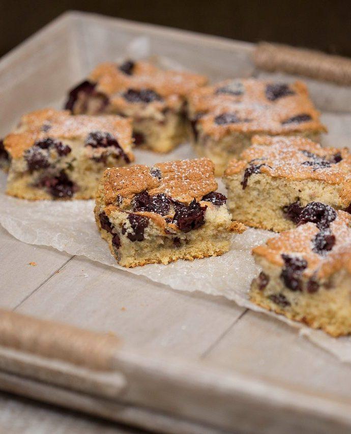 prăjitura bețivilor – o reinterpretare firească a prăjiturii cu vișine