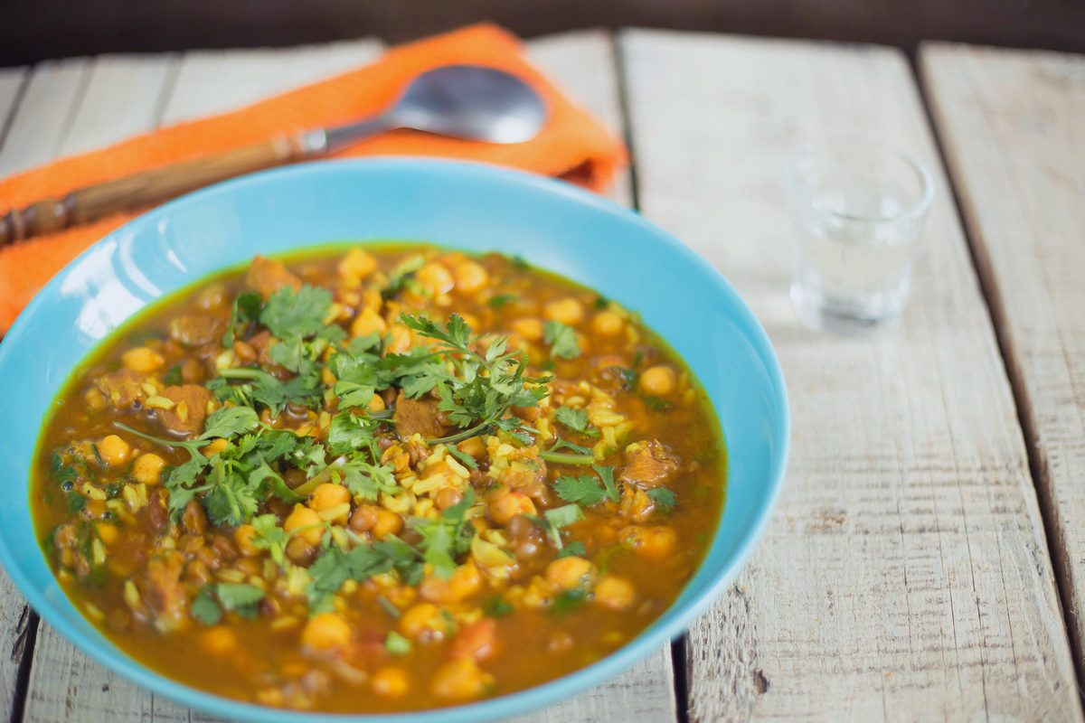 supă marocană de năut, linte și miel