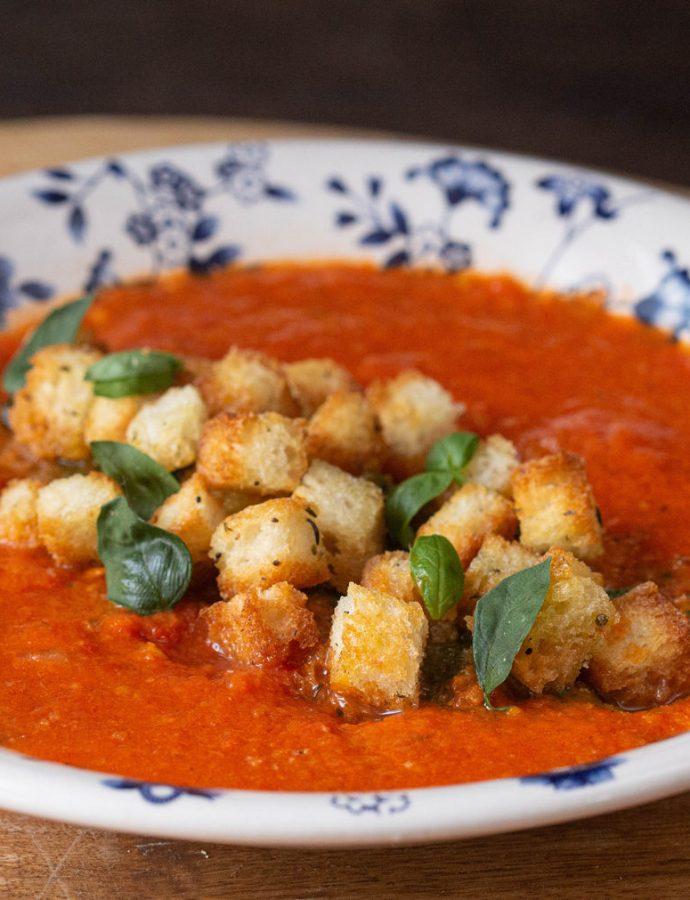 supă de roșii cu ardei copți, fix ce-i trebuie ca să fie bună